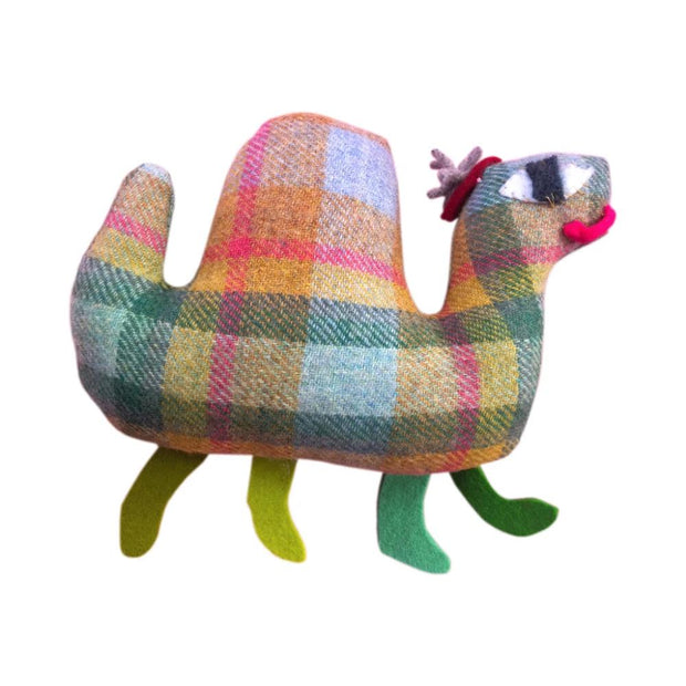 Donna Wilson Make Your Own Loch Ness Monster craft Kit ejemplo