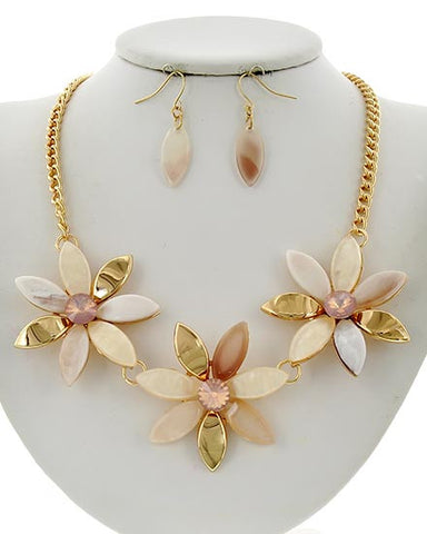 Peach Flower Necklace Set
