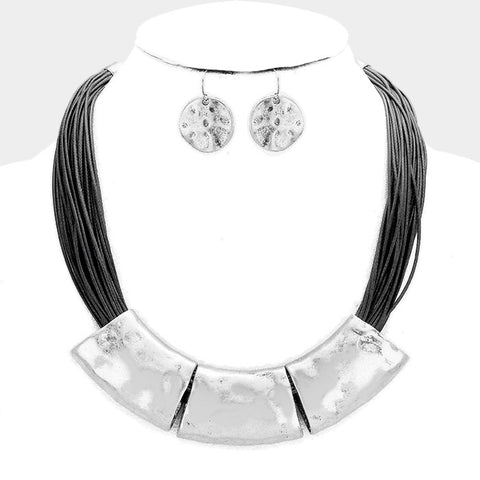 Silver Hammered Necklace Set