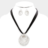 Silver and Black Clustered Round Necklace Set