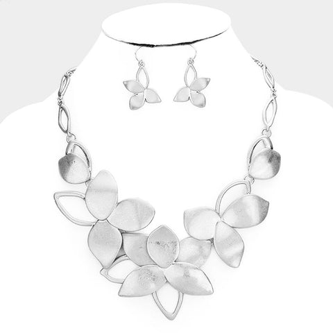 Worn Silver Flower Necklace Set