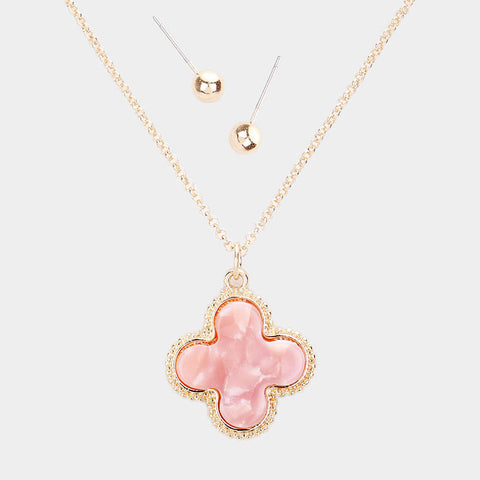 Peach Quatrefoil Necklace Set