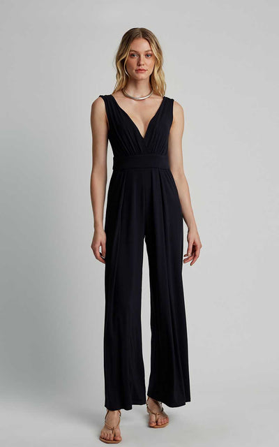 Black Neckline Knitting Jumpsuit