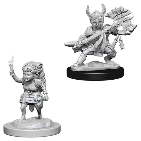 Dungeons & Dragons: Nolzur's Marvelous Unpainted Miniatures: Female Halfling Fighter
