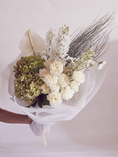 VALENTINES DAY FLOWERS NEUTRAL COLOURS SYDNEY DELIVERY