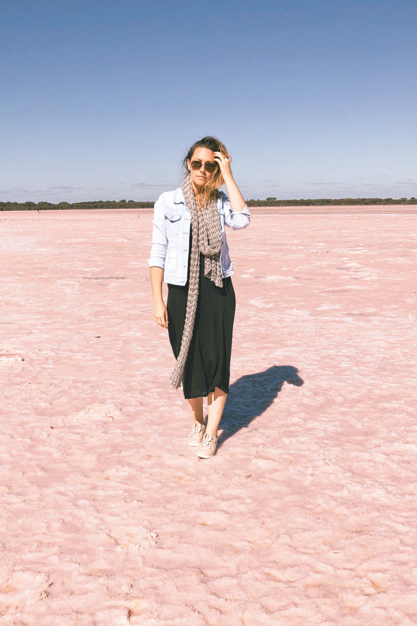 Pink-lakes-and-pastel-sneakers-The-Science-behind-Australia's-pink-lakes-The-Fashion-Advocate-nature-photography-outback-australia-2