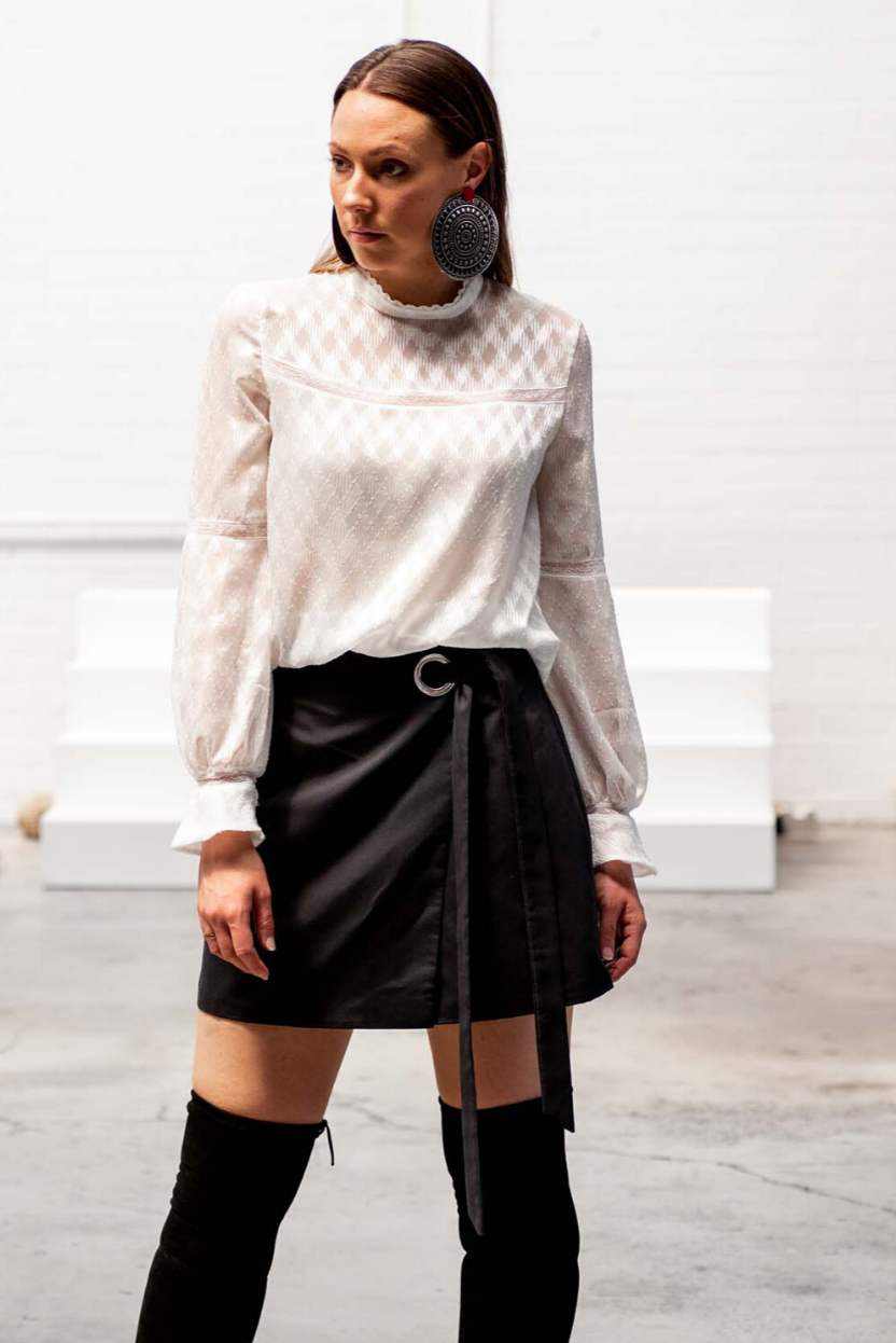 Shiva Novinfar is inspired by all things fashion and art, and she's driven by positive change