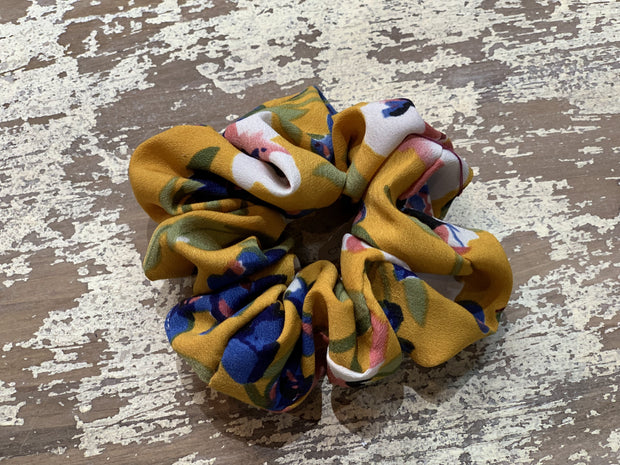 069 CLT Floral Scrunchies (Butterscotch)