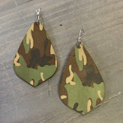 EKIG Double Layer Leaf Leather Earrings (Camo Brown)