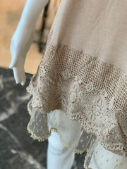 RA SL Lace Extender - Tan (Closeup)