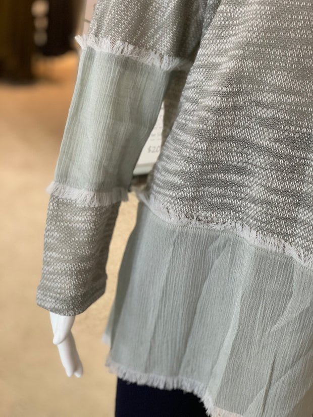 UMG LS Heathered Fray Side Slits Top (Closeup)