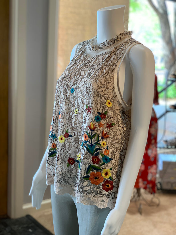 UMG SL Crochet Floral Embroidery High Neck Top (Side)