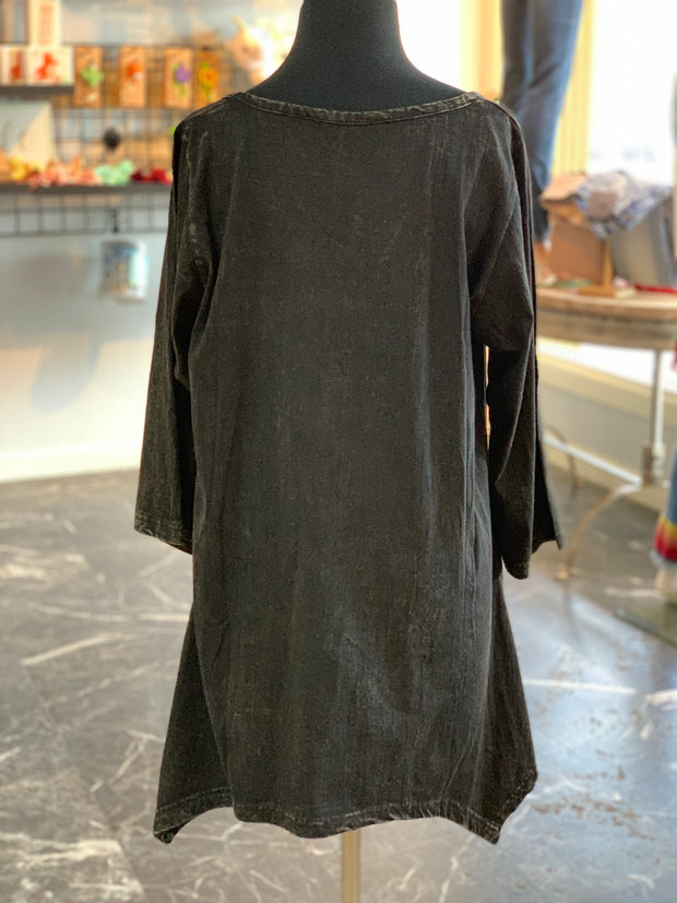 WT Side Tail Flower Tunic (Back)