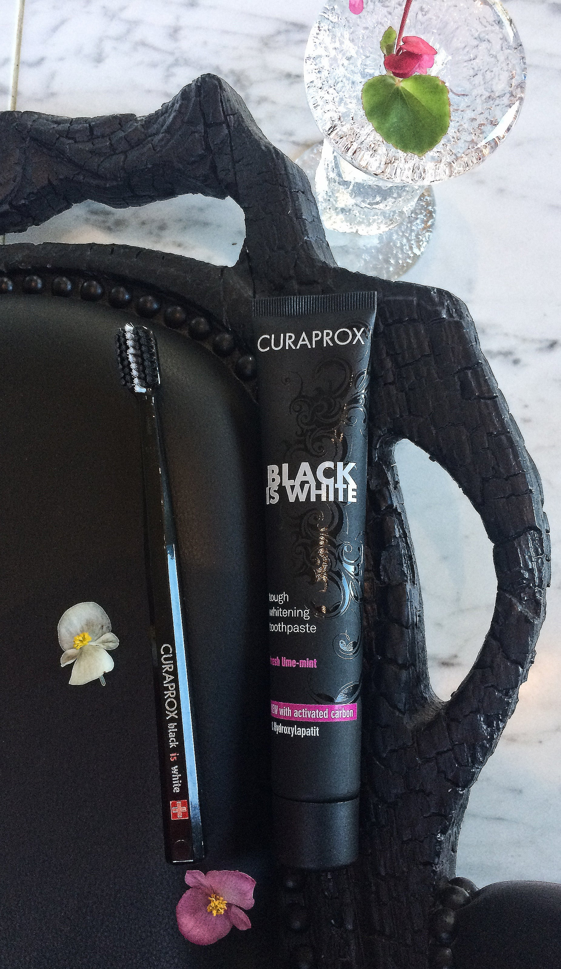 Black is White Fresh Lime-Mint Charcoal Whitening Toothpaste