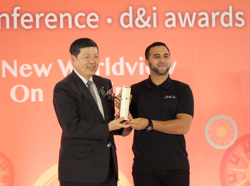 CEO of LINKA Mo, receives the TAIPEI CYCLE d&i Awards 2017: Gold Award - Young Enterprise.