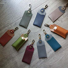 BELLINI Keychain Carrier