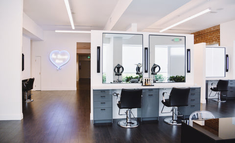 Salon in Hollywood