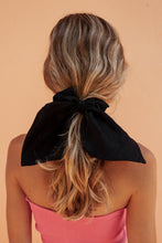SIENNA SCRUNCHIE - BLACK