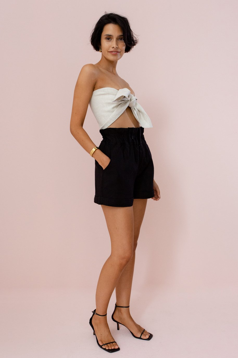DUCKY SHORT - BLACK