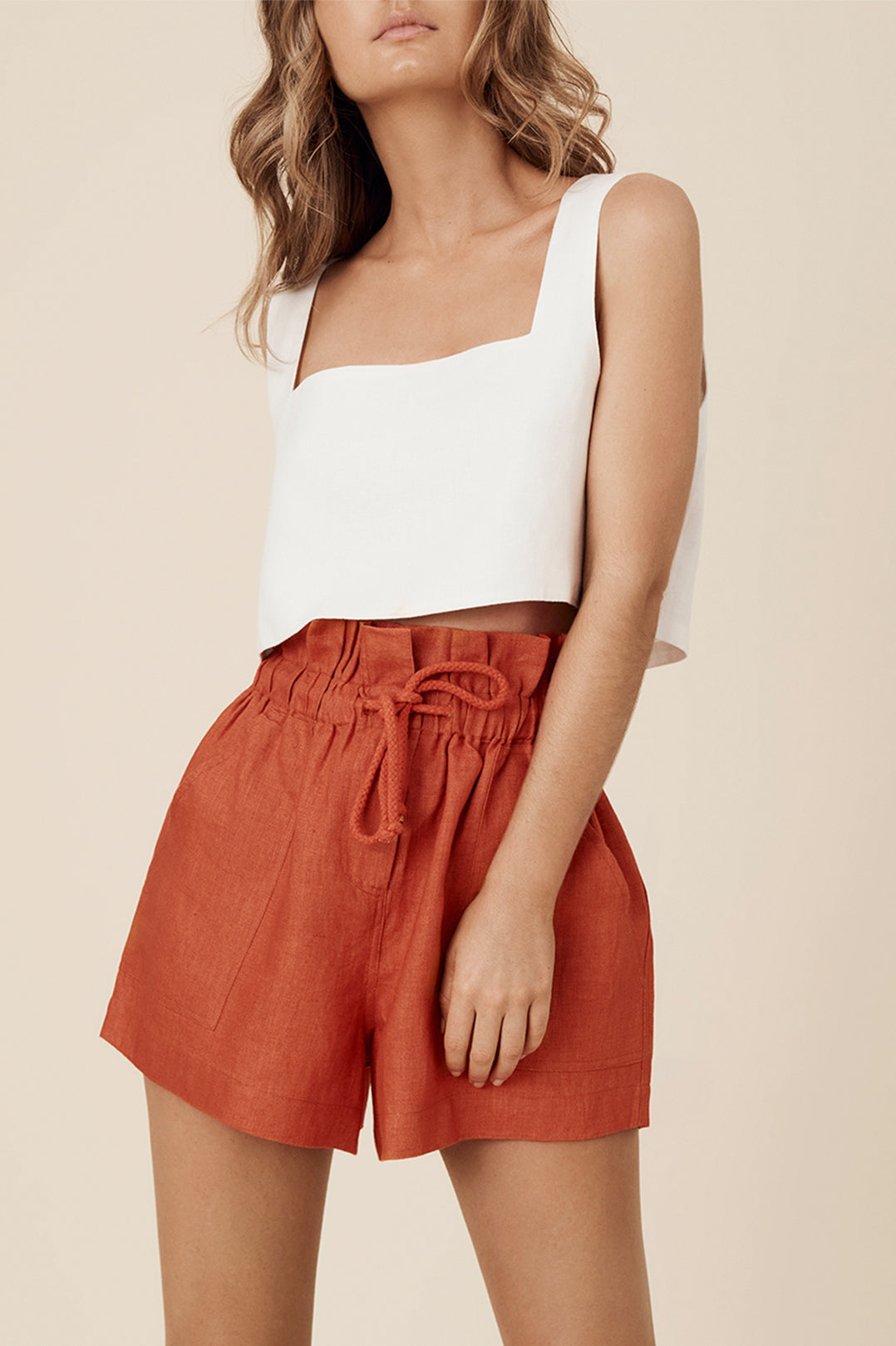 ZURI SHORT - DESERT RED