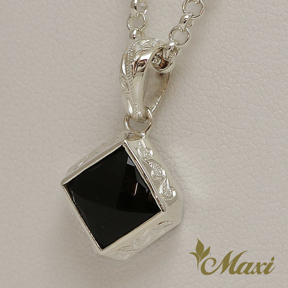 Silver 925 Black Onyx Diamond Shaped Pendant-Hand Engraved Traditional Hawaiian Design (P0817)