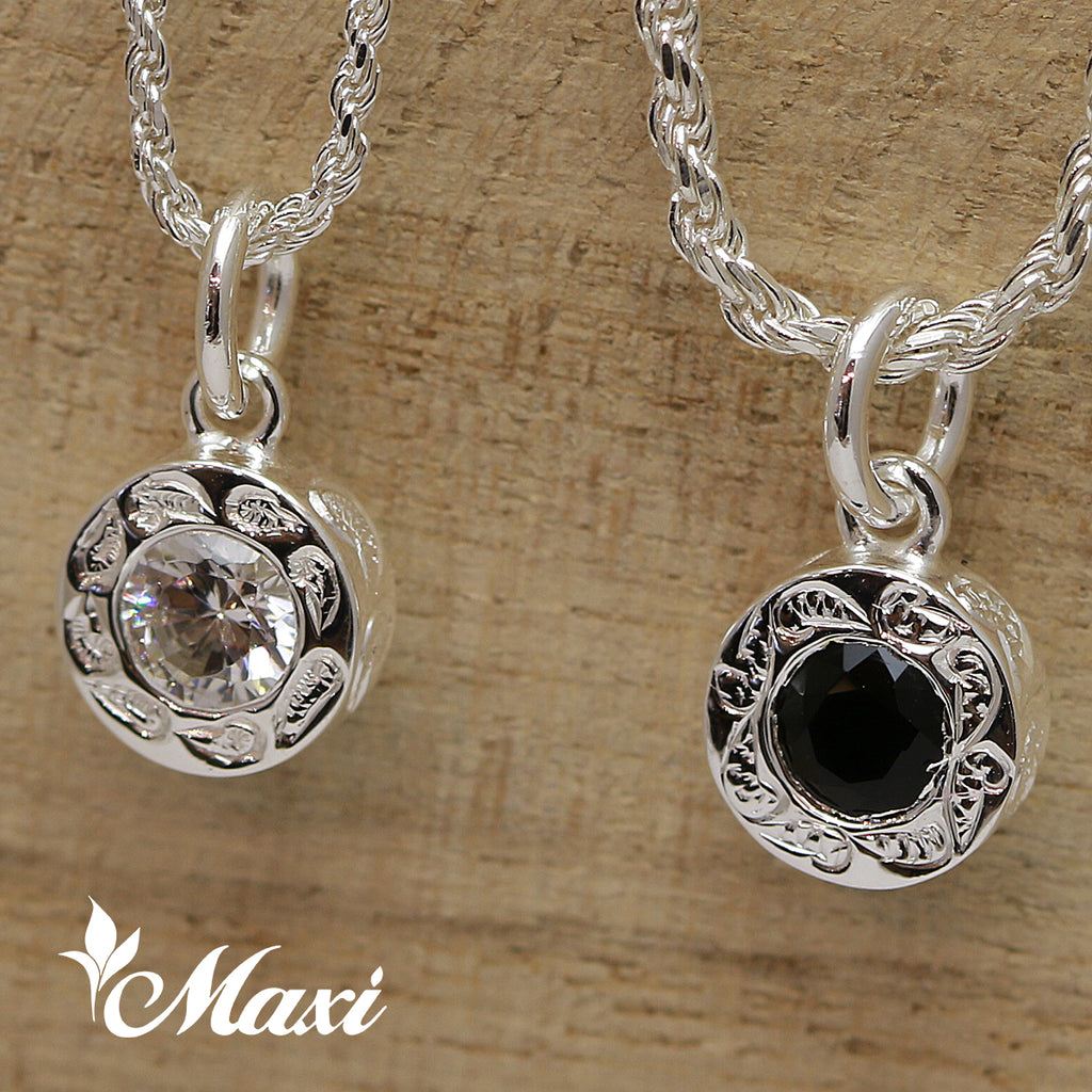 [Silver 925] PoePoe Round Pendant with Onyx Stone-Hand Engraved Traditional Hawaiian Design (P0903)