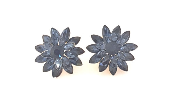 LARGE FLOWER STUDS