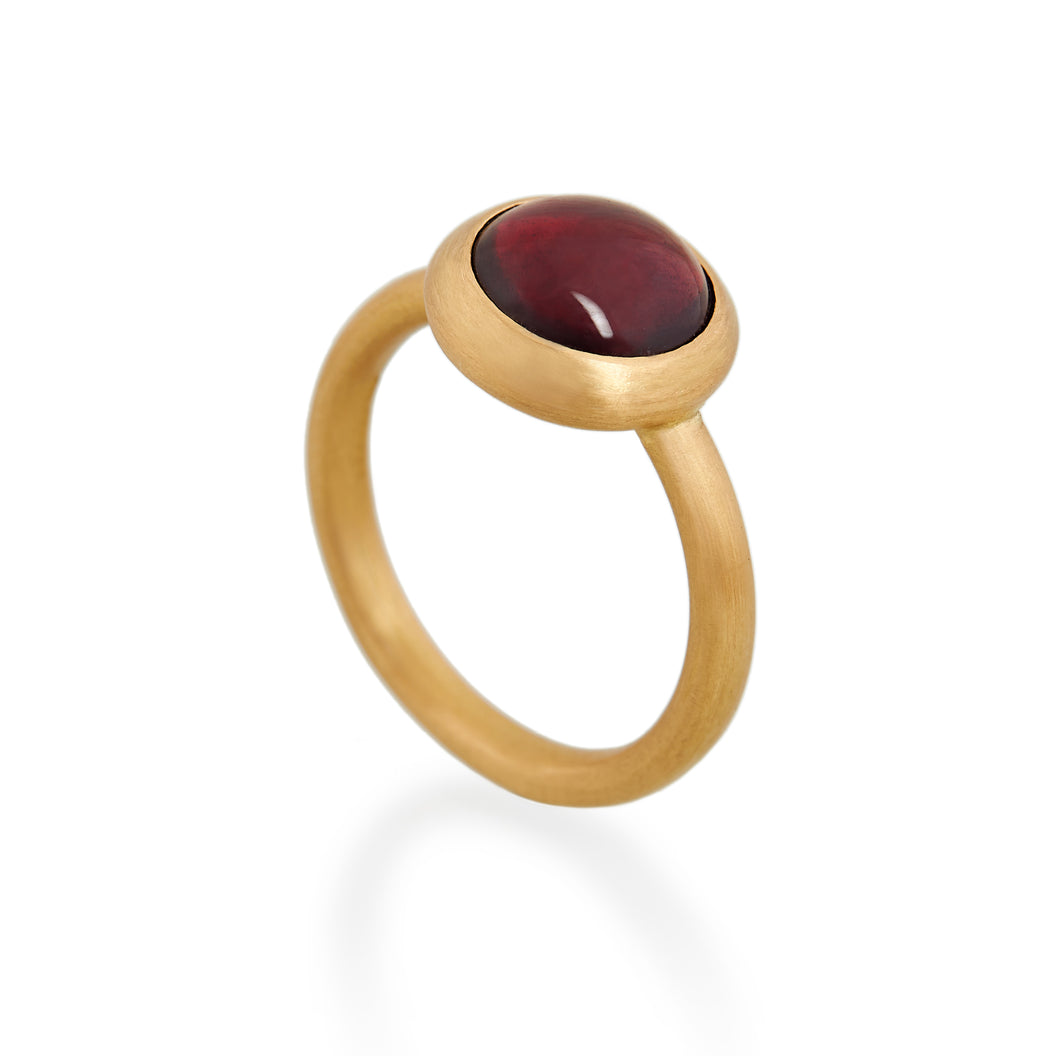Antique Garnet Ring, 22ct Gold