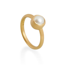 Natural White Pearl Ring, 22ct Gold