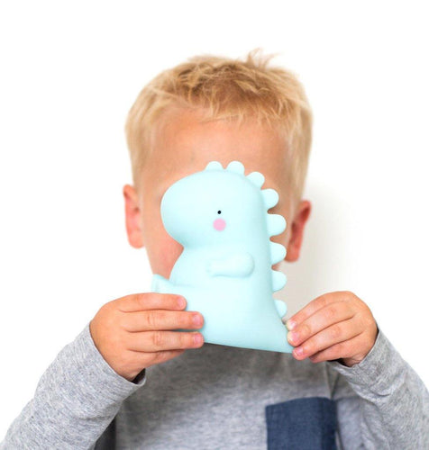 Little Fashion Addict - A Little Lovely Company - T-rex lampje blauw - sfeerfoto met kind