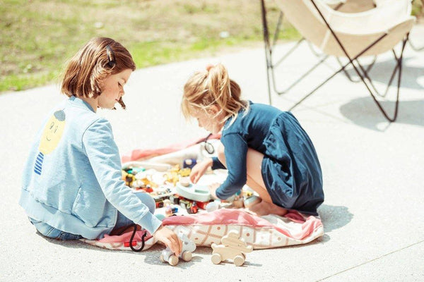 Little Fashion Addict - Play & Go Print - Geo Koraal - sfeerfoto kinderen