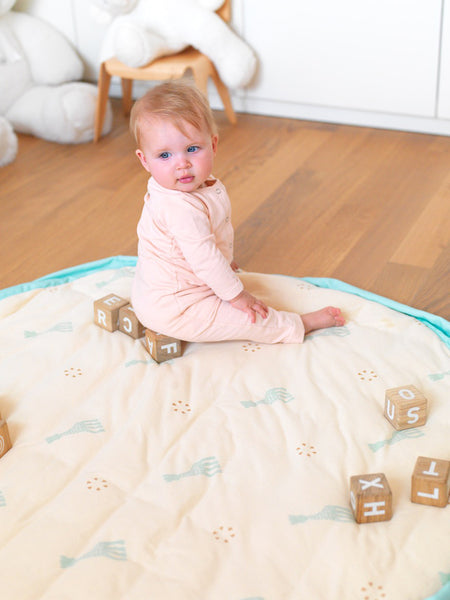 Little Fashion Addict - Play & Go Soft - Sophie la Girafe - sfeerfoto met baby