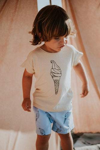 Little Fashion Addict - Sproet & Sprout - Zomercollectie 2021 - Zwemshort Bright Blue - Icecream - Sfeerfoto