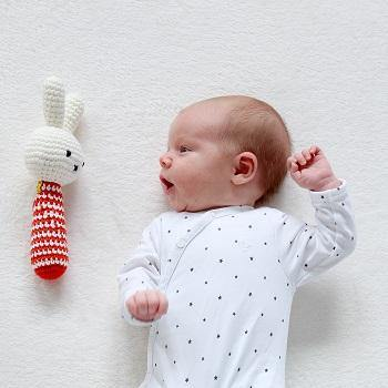MELODY Hand-gehaakte knuffel LITLEPHANT RED- 'Pull my tale and I play'