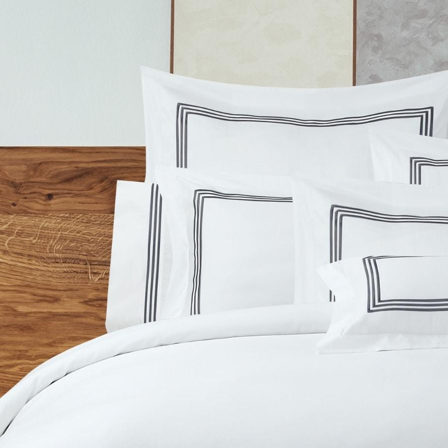 1000TC Navy Embroidery on White Duvet Cover set. Hotel Living quilt cover set.