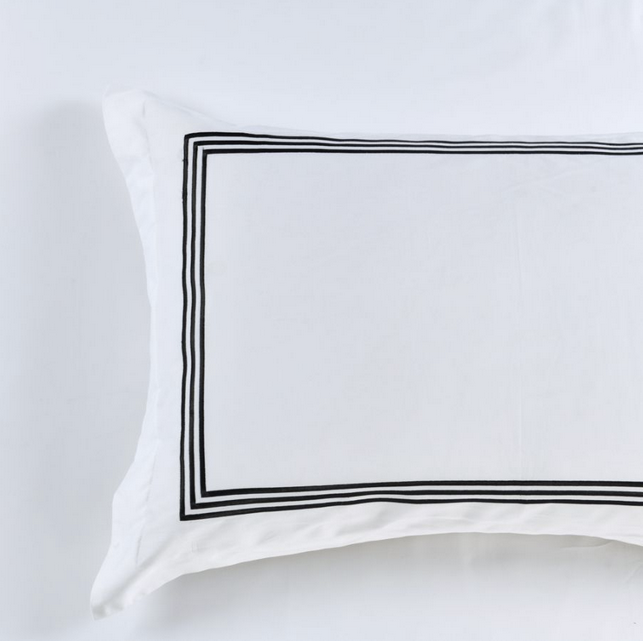 Hotel Luxe - 1000TC 100% Cotton Sateen White Quilt / Duvet Cover Set with Black Embroidery