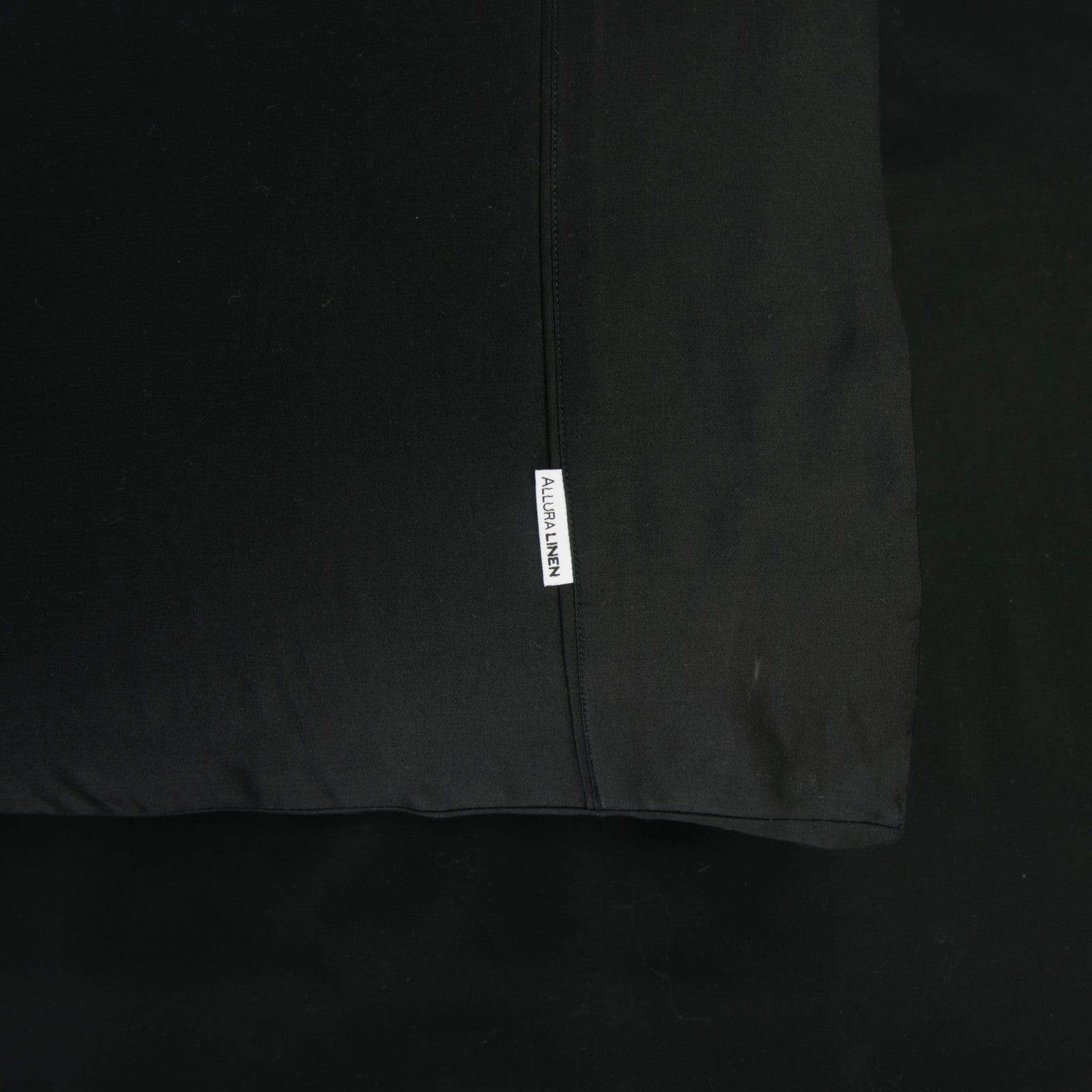 400 thread count, 100% cotton, sateen finish standard pillowcase PC black