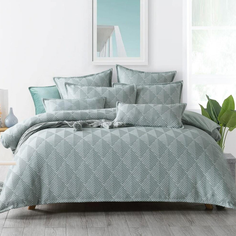 Green textured quilt cover set
