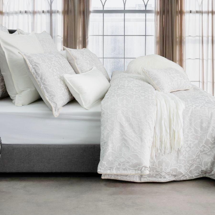 Ivory jacquard quilt cover set