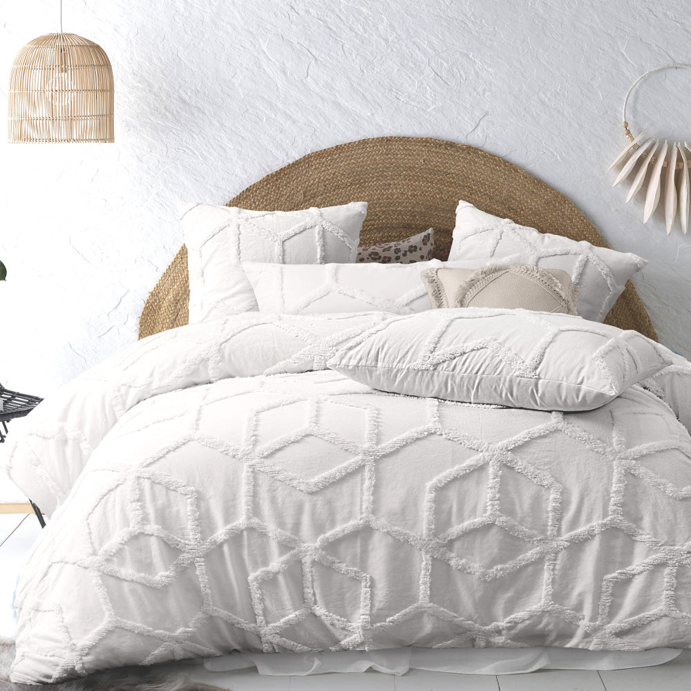 tufted white cotton quilt cover set