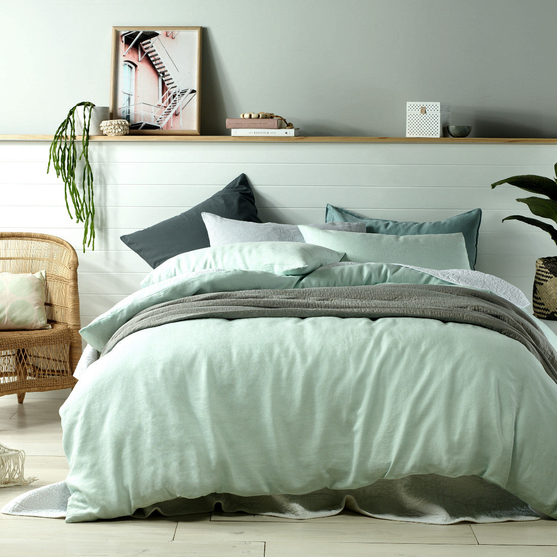 Mist green 100% linen quilt cover set