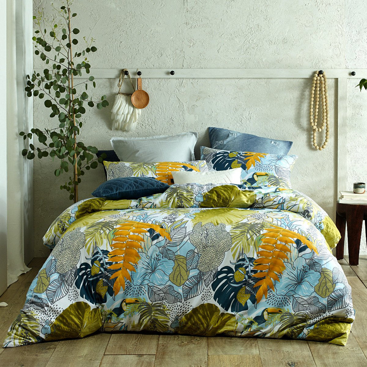 Plantation Print duvet cover set. Green and grey quilt cover set.