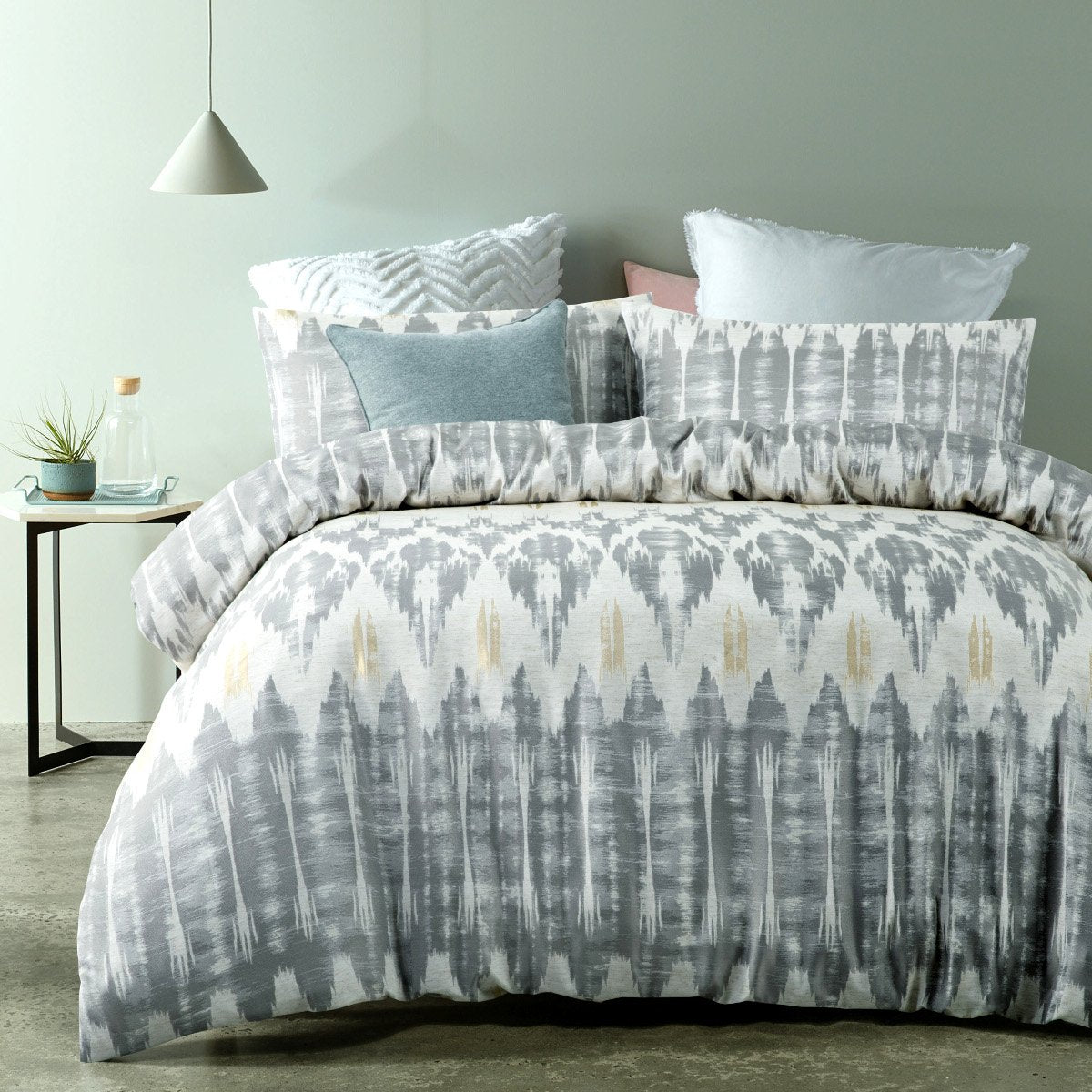 300TC beige / grey duvet cover set. Polyester jacquard quilt cover set.