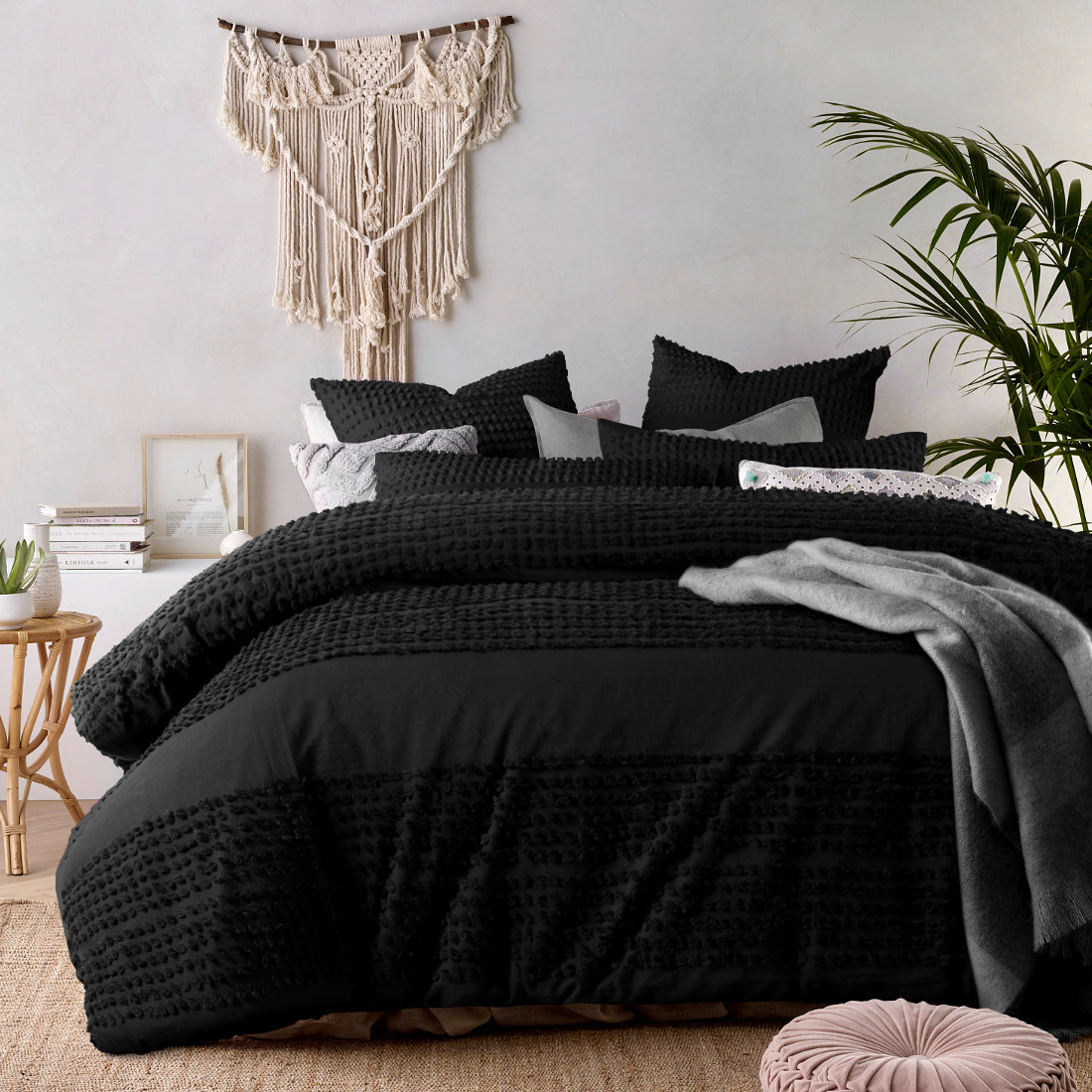 Tufted Black Quilt Cover Set