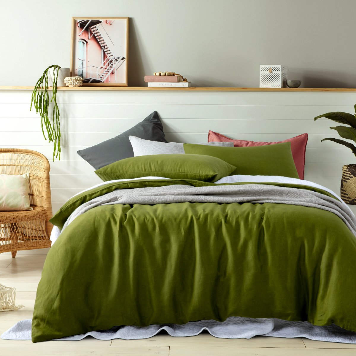 100% Linen mossy green duvet cover set. Vinatge wash linen quilt cover set