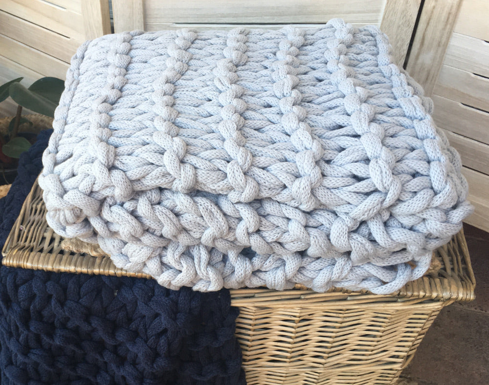 Chunky knitted throw silver grey blanket