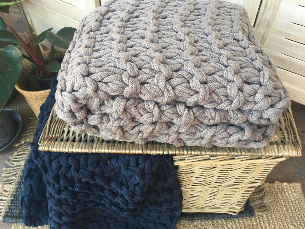 Chunky knitted throw mocha