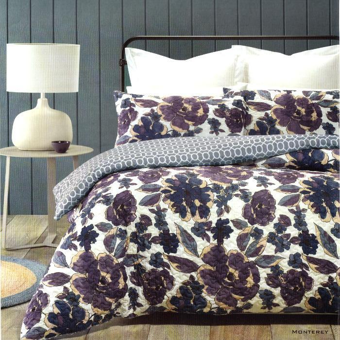 Quilted effect, floral, white and blue quilt cover set. Reversible Duvet cover set.
