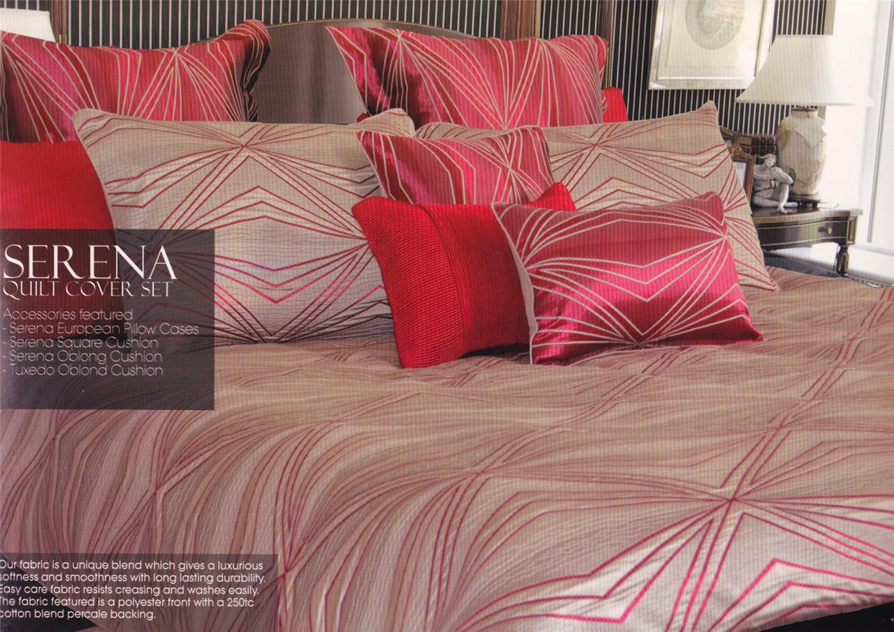 Serena Red Natural Jacquard Quilt / Duvet Cover Set