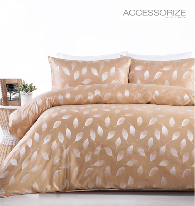 Willoughby Gold quilt cover set